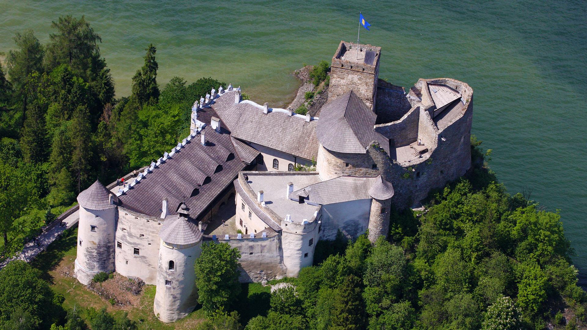 Chapter Spisska and Spissky Castle at night, Slovakia